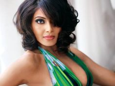 'Wearing bikini not a big deal for me' Bipasha Basu says that donning a bikini for a role is okay if you are fit and confident that you would look good in it.   http://toi.in/TLlzHZ