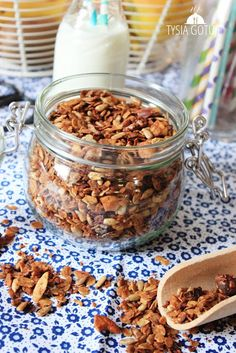 Granola | Tysia Gotuje blog kulinarny Granola, Breakfast, Fitness, Blog, Recipes, Diet, Morning Coffee, Recipies, Blogging