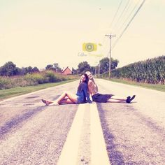 Go along with her crazy ideas…. | 37 Impossibly Fun Best Friend Photography Ideas