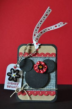 Cute idea inspiration...make a Disney Bound Mickey or Minnie Mouse Luggage tag...tie on cute Disney inspired ribbons. I would laminate mine. Include the kids in this project :)