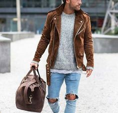 cool casual // city boys // urban men // mens fashion // gym bag // mens accessories // leather // city life //
