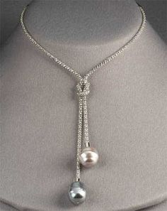 Majorica Pearl Lariat Necklace, in sliver too as well as gold. Cute Jewelry, Pearl Jewelry, Bridal Jewelry, Jewelry Crafts, Beaded Jewelry, Jewelery, Jewelry Necklaces, Handmade Jewelry, Gold Earrings Designs