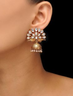 These sunflower earrings are simply outstanding. This gold dangle with diamond earrings each have unique setting that makes the piece unforgettable . These drop bridal earrings deserve evening wear such a glamorous wedding, or special event. This is an or Pearl Jewelry, Sterling Silver Jewelry, Diamond Jewelry, Jewelery, Gold Jewellery, Jewellery Earrings, Handmade Jewellery, Diamond Earrings Indian, Earrings Online