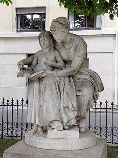 L'éducation maternelle by Eugène Delaplanche, square Samuel-Rousseau, Paris