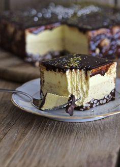 Torta mousse nocciola, vaniglia e cioccolato