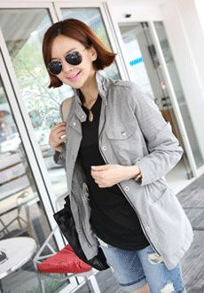 Today's Hot Pick :Drawstring High Collar Jacket http://fashionstylep.com/SFSELFAA0014148/min3111enn/out Top off your look with this jacket. It features a high-neck collar, a drawstring waist and epaulettes. You can wear this with your casual clothing and finish off with boots for that edgy look.