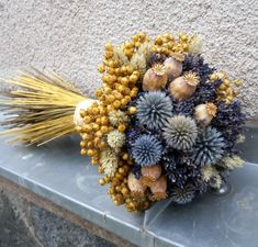 Dried Flowers Bouquet Preserving Bouquet Flowers In Resin Dried Sun Pa – raspberrytal Deco Floral, Arte Floral, Dried Flower Bouquet, Dried Flowers, Wedding Bouquets, Wedding Flowers, Lavender Crafts, Night Time Wedding, Creation Deco