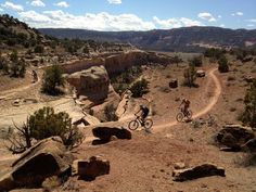 Fruita, Colorado: Mary's Loop trail, weaving around slot canyons.