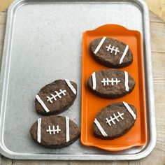 Celebrate Super Bowl Sunday with good company and conversation. Pump up the festivities with football-theme decorations and kick off your game-day menu with these delicious appetizers, desserts and fresh beverages.