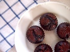 Cícerovo- čokoládové muffiny... | Pieces From My World... Muffin, Breakfast, Food, Morning Coffee, Essen, Muffins, Meals, Cupcakes, Yemek