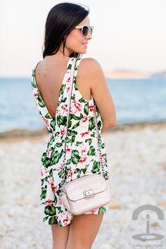 Mono floral tropical playsuit Miss Guided Coach Crimenes de la Moda