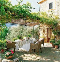 Al fresco. Dining outdoors. Terrace backyard. Exterior Decor and design. | The Good Hacienda | curated by Hilary