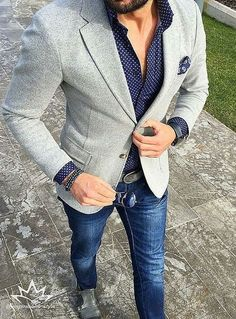 Cool tips for boys to dress like a man and look suave for your school/college farewell.