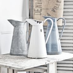 Antique French zinc and enamelware pitchers / vintage French country decor Farmhouse Style Decorating, French Country Decorating, Farmhouse Chic, Shabby Vintage, Vintage Home Decor, French Vintage, Shabby Chic, Vintage Items, Rustic Cottage