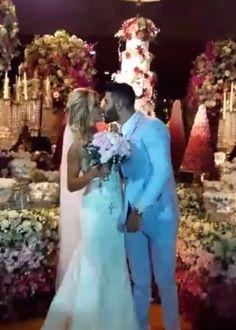 Gusttavo Lima e Andressa Suita se casam em cerimônia luxuosa #Cantor, #Casamento, #Estilista, #Festa, #GusttavoLima, #Instagram, #M, #Modelo http://popzone.tv/2016/10/gusttavo-lima-e-andressa-suita-se-casam-em-cerimonia-luxuosa.html