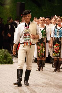Telgárt (man) and Šumiac (women), Horehronie region, Central Slovakia. Bratislava, Ukraine, European Costumes, Heart Of Europe, Textiles, Folk Costume, World Of Color, People Of The World, Beautiful Patterns