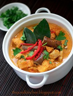 Taiwanese Heritage: Red Chicken Curry, Sawadtee Kaa!