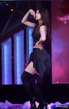 MISS A - Suzy Bae • Bae SuJi 배수지 'HUSH' performance at Blue Dragon Film Awards 131122 #수지 #미쓰에이 #2013청룡영화제 Kpop Girl Groups, Kpop Girls, Miss A Kpop, Korean Beauty, Asian Beauty, Stage Outfits, Cool Outfits, Girl's Day Yura, Miss A Suzy