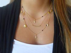 Delicate Gold layered Necklace Set Tube Gemastone por annikabella