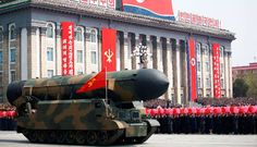 Corea del Norte advierte a EU que está preparada para la guerra con armas nucleares y exhibe 56 misiles durante desfile | El Puntero