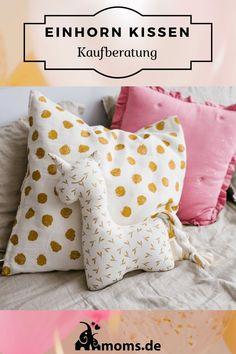 Ein süßes #Einhorn #Kissen für das #Kinderzimmer . Ein Einhorn Kissen kann #rund sein #bedruckt oder gestrickt sein. Das Einhorn Kissen ist perfekt für jedes #Mädchenzimmer . Auf moms.de zeigen wir euch eine kleine Auswahl von #Einhornkissen Baby Zimmer, Throw Pillows, Kindergarten, Baby Unicorn, Unicorn Pillow, Boy Or Girl, Gifts For Girls, Cushions, Decorative Pillows