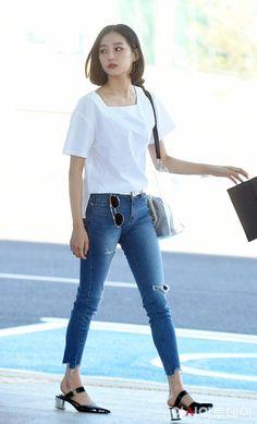 Stylish ideas on korea fashion clothing 070 Korean Fashion Summer, Korean Fashion Casual, Korean Fashion Trends, Korean Street Fashion, Korea Fashion, Kpop Fashion, Korean Airport Fashion Women, Fashion Idol, Girl Fashion