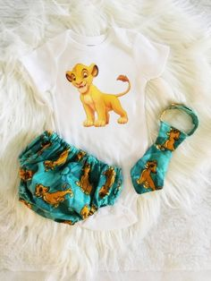 Lion King - Simba Cake Smash Outfit This Personalized Lion King Inspired its perfect for First Birth Lion King Party, Lion King 1, Lion King Cakes, King Simba, Lion King Birthday, 1st Boy Birthday, Birthday Ideas, Birthday Cake, Simba Lion