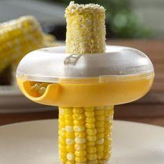 descascador de milho   o produto permite remover rapidamente os milhos de uma espiga, de uma maneira bem prática.  Coloque o descascador na parte mais estreita da espiga, em seguida pressione para baixo até remover todos os milhos.  Suporta até duas espigas de milho em seu interior,