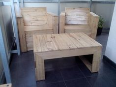 DIY Pallet Bistro Styled Furniture | 99 Pallets