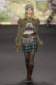 Anna Sui - New York Fall 2010 OMG I love this look!!!