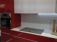 carrelage metro 7,5x15 haut de gamme rouge, noir, blanc, acier brillant - carrelage 1er choix