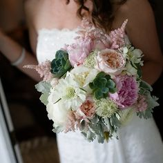 Two Bouquets, Mexico | 21 Unique Wedding Customs From Around The World
