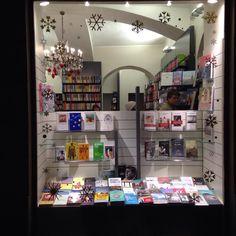 La vetrina della nuovissima Libreria Bodoni di Torino :)
