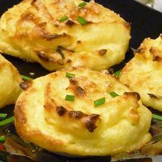 Mashed Potato Puffs Recipe, Parmesan Mashed Potatoes, Mashed Potato Cakes, Potatoe Casserole Recipes, Twice Baked Potatoes, Boil Potatoes, Zucchini Casserole, Russet Potatoes, Potato Sides