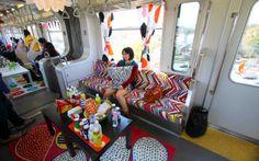 Pour l'ouverture de son nouveau magasin à Tokyo, Ikea mobilise toute une rame de métro et offre même un déjeuner aux passagers !   http://www.minutecom.com/?p=1904