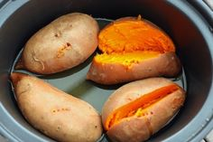 If you like creamy, sweet potatoes with a buttery texture, then you'll love how they turn out in the slow cooker! Try this hands-off, foolproof method for perfectly cooked sweet potatoes. Crock Pot Recipes, Slow Cooker Recipes, Cooking Recipes, Healthy Slow Cooker, Crock Pot Slow Cooker, Crock Pot Cooking, Slow Cooker Sweet Potatoes, Cooking Sweet Potatoes, Potatoes Crockpot