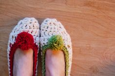 mon makes things: The Coziest Crochet Slippers