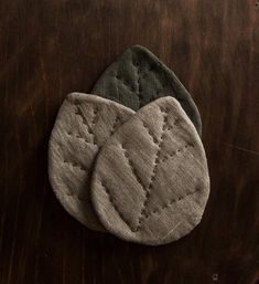 The smallest version of our leaves - lovely linen coasters now available on Etsy 🌿 Diy Coasters, Fabric Coasters, Diy Tableware, Tea Coaster, Burlap Curtains, Diy Sewing Projects, Sewing Crafts, Linen Bag, Craft Sale