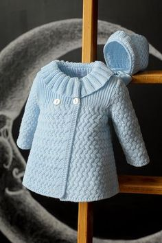 Crochet Baby Patterns Beautiful Coat - Free Pattern - Beautiful Coat This knitting pattern / tutorial is available for free. Baby Sweater Patterns, Knit Baby Sweaters, Knitted Baby Clothes, Coat Patterns, Crochet Baby Cardigan Free Pattern, Baby Cardigan Knitting Pattern Free, Knitting Sweaters, Crochet Jacket, Baby Knits