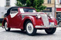 Jawa 600 Roadster 1939 615 cm3 Retro Cars, Vintage Cars, Antique Cars, Veteran Car, Truck Wheels, Mini Trucks, Amazing Cars, Car Car, Hot Cars