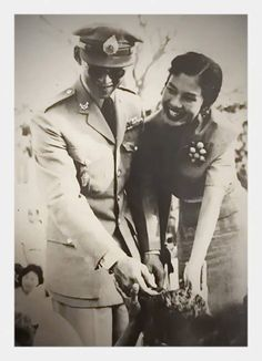 Our beloved King and Queen King Of Kings, My King, King Queen, King Thailand, Modern World History, King Rama 9, Queen Sirikit, Bhumibol Adulyadej, Great King