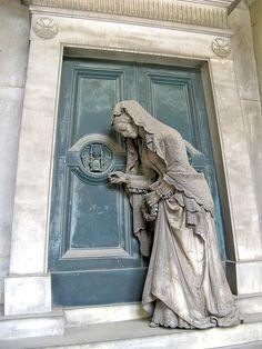 La porta dell'aldilà 2 by Ondablv, via Flickr