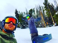 Children teach us what life is all about... con el parcerito @arapmx #extremesports #viiphoto #colorado #denver #vail #snowboarding