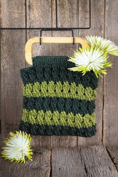 LA75543 - Bags & Backpacks - $5.99 Crochet your dream bag with great cables and other Aran/Celtic textures! You'll love putting Bonnie Barker's fabulous, functional designs from Bags and Backpacks to work in your day-to-day life.