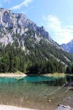 Ausflugstipp: der Grüne See in Tragöß – ein Stück Karibik in der Steiermark Heart Of Europe, Green Earth, Austria, Wander, The Good Place, Travelling, Scenery, Places To Visit, Dreams