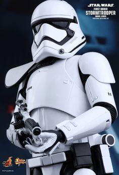 Hot Toys - first order stormtrooper squad leader