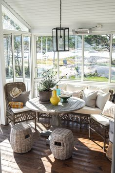 HVALER — DIVINE DESIGN OSLO Best Interior, Interior Design, Backyard, Patio, Coastal Farmhouse, Oslo, Nice Tops, Showroom, House Design
