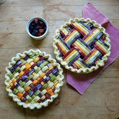 Bluebarb pies for the big Bluegrass Pride show/dance tonight! Come down to for music, dancing and your chance to win big… No Bake Desserts, Just Desserts, Dessert Recipes, Pie Crust Recipes, Pie Crusts, Pie Crust Designs, Pie Decoration, British Baking, Biscuits