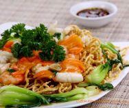 Grilled Pork Balls with Vermicelli Recipe (Bún Chả Nướng) Easy Vietnamese Recipes, Vietnamese Cuisine, Vietnamese Noodle, Asian Recipes, Healthy Recipes, Ethnic Recipes, Healthy Cooking, Marinated Pork, Grilled Pork