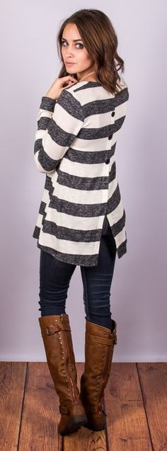 Stitch fix stylist: Button Back Striped Tops are really cool! I like this outfit with the skinny jeans! Mode Outfits, Fall Outfits, Casual Outfits, Fashion Outfits, Womens Fashion, Petite Fashion, Curvy Fashion, Fashion Ideas, Casual Shirt